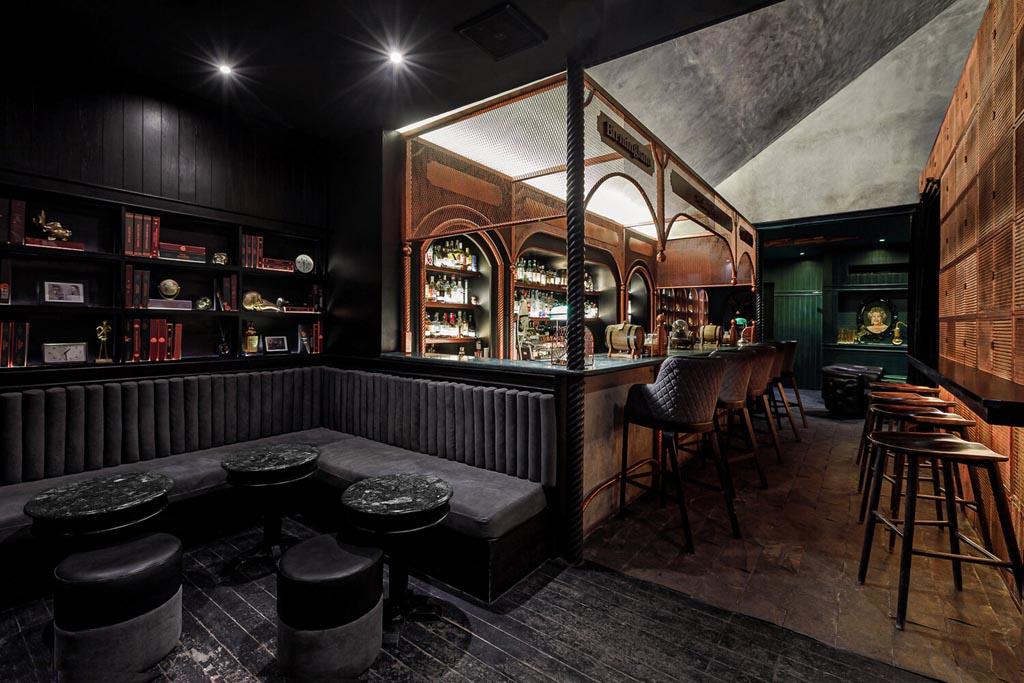 Interior design of Shady Pig Bar by Leon